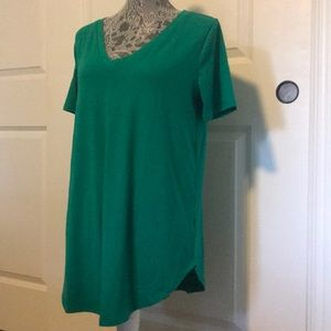 NWOT Kelly Green V-Neck Boyfriend T-Shirt